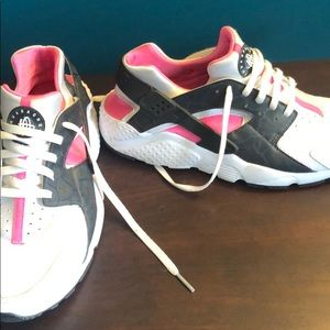 huaraches grey, white and pink